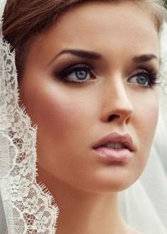 عروس,عروس سرا,آرایش عروس,سالن زیبایی,آرایش عروس کرج,عروس سرا در کرج